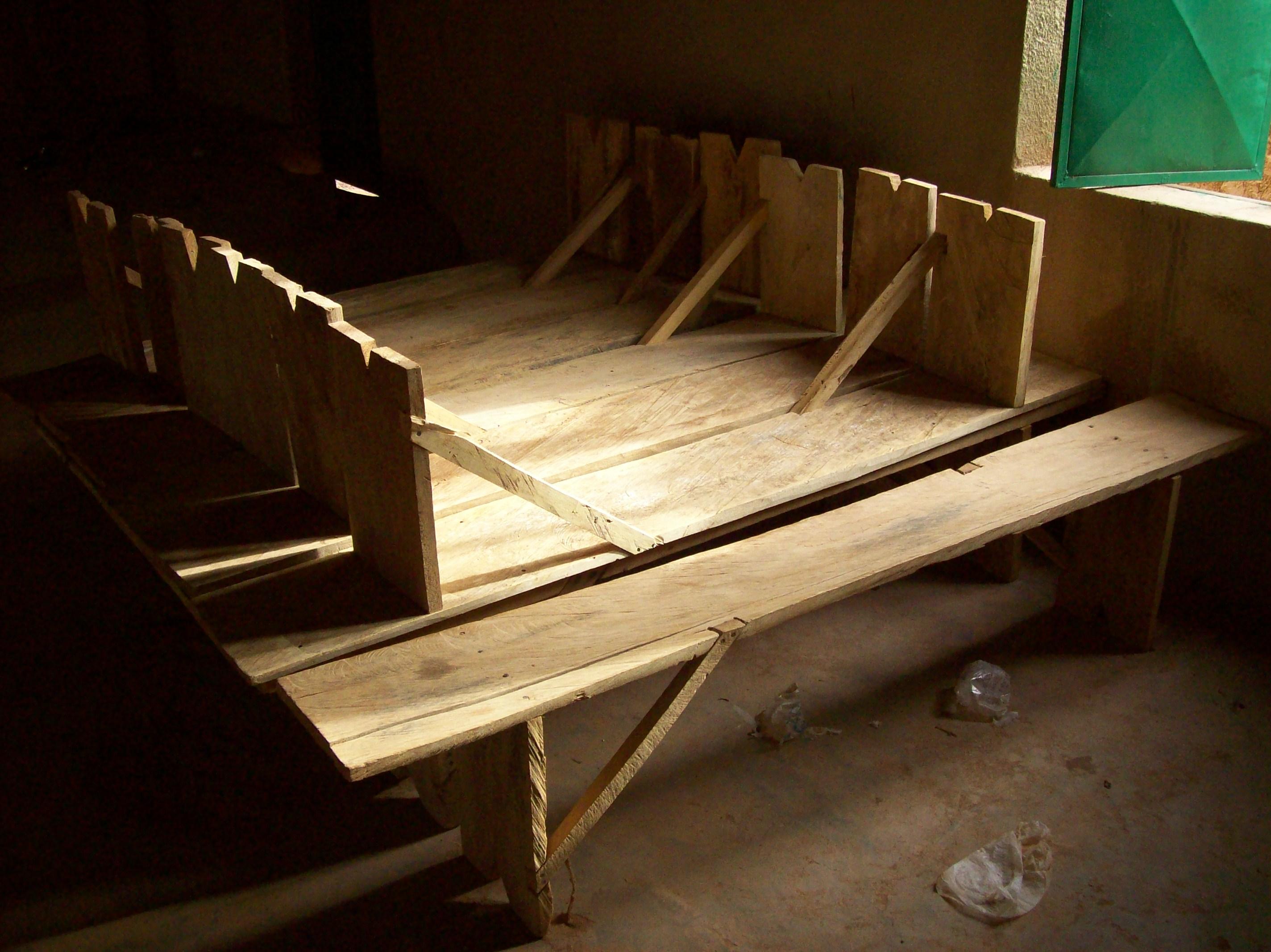 Bancs en bois pour les églises