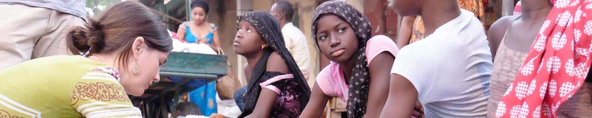 Agir avec l'Action Missionnaire : une bénévole en action en Afrique